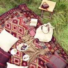http://alfombrasyasmina.com/galeria/466-thumb-alfombra-sumak-picnic.jpg