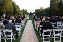 http://alfombrasyasmina.com/galeria/487-thumb-alfombra-pasillo-boda.jpg