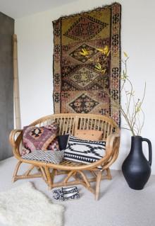 http://alfombrasyasmina.com/galeria/496-thumb-alfombras-en-paredes.jpg