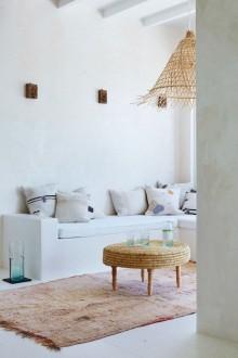 http://alfombrasyasmina.com/galeria/514-thumb-casa-ibicenza-salon-alfombra.jpg